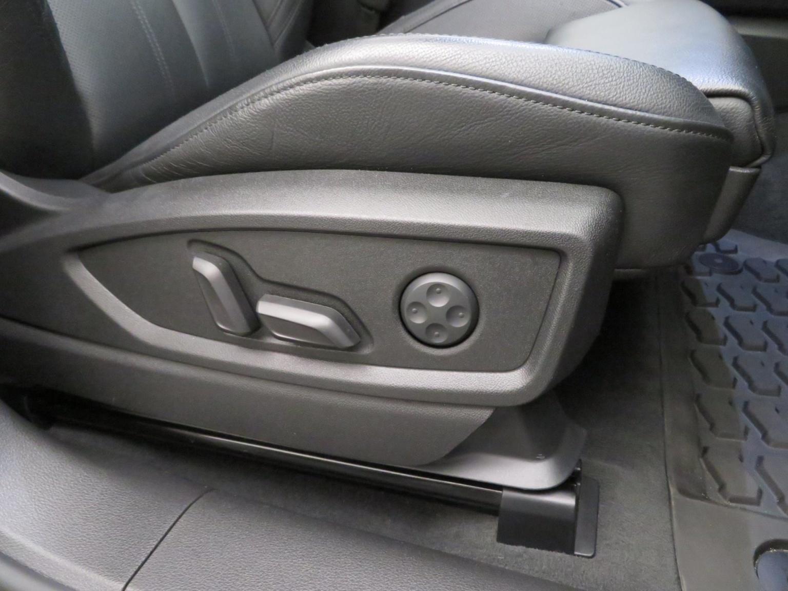 Audi-SQ5-77