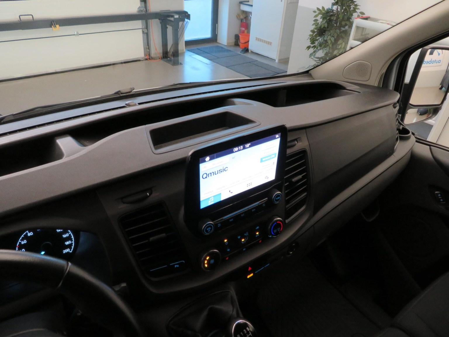 Ford-Transit Custom-46